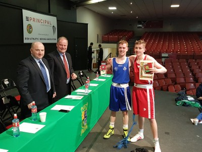 Eoin Meaney Southside B.C/UL (Blue) and Ian Kelleher Togher B.C/Cork IT (Red) at their medal presentation with CEO Fergal Carruth and IABA President Pat Ryan